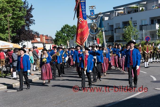 DIe MK Obereisenbach führt die Gruppe aus Obereisenbach, Krumbach und Tannau an